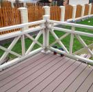 Терраса к дому с белыми ограждениями из ДПК 7